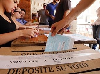 Plebiscito en Colombia: los votantes rechazaron acuerdo de paz con Farc ¿Qué viene ahora?