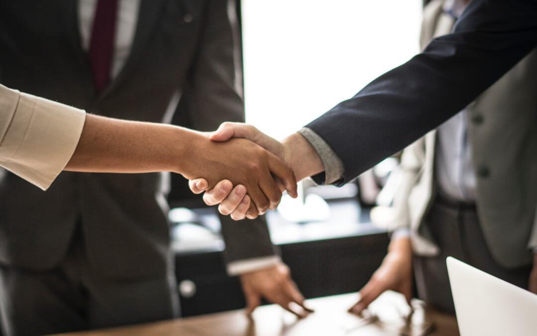 Blíndese para no perder su inversión si su socio o contratante incumple