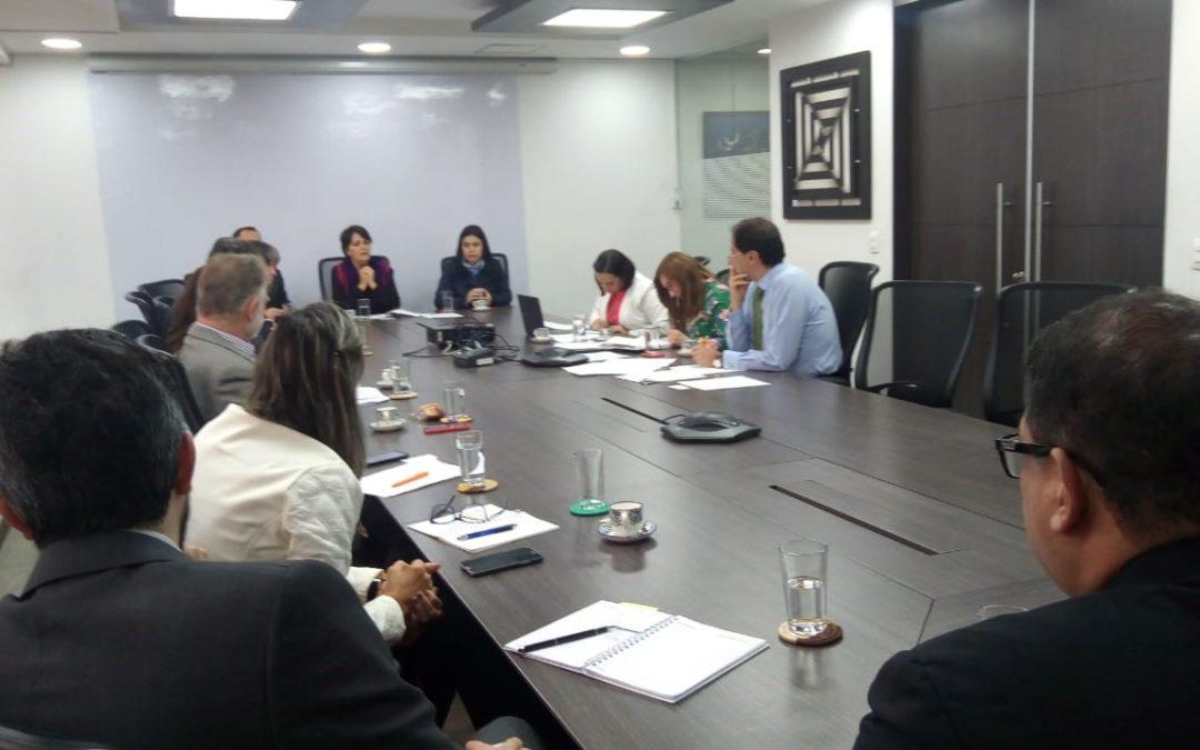 La socia Gabriela Mancero estuvo reunida con la CCE y el Ministro de Comercio Manuel José Restrepo para discutir sobre los obstáculos que se presentan en Colombia y Ecuador al comercio